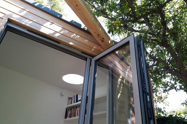garden work space in N16